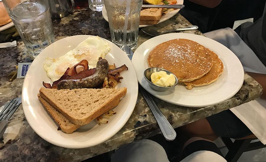 breakfast cafe fleur de lis new orleans