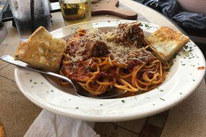 spaghetti combo morettis morton grove