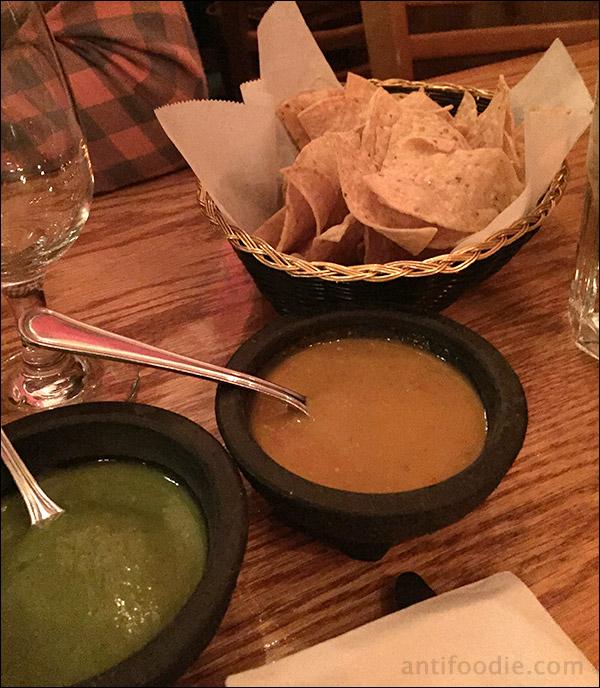 chips salsa guacamole los nopales chicago