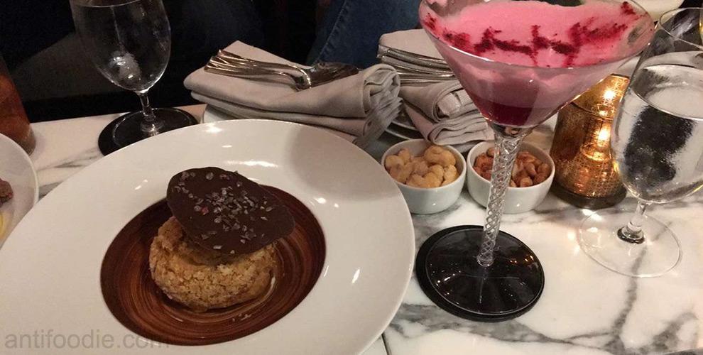 mocha bomb dessert travelle chicago