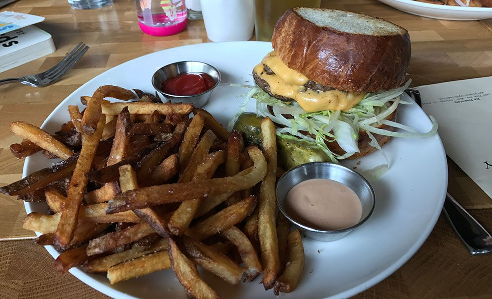 the promontory chicago cheeseburger