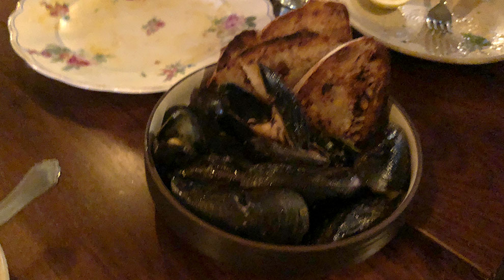 mussels the loyalist chicago
