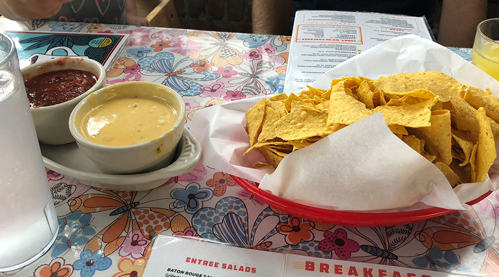 queso salso chips magnolia cafe austin